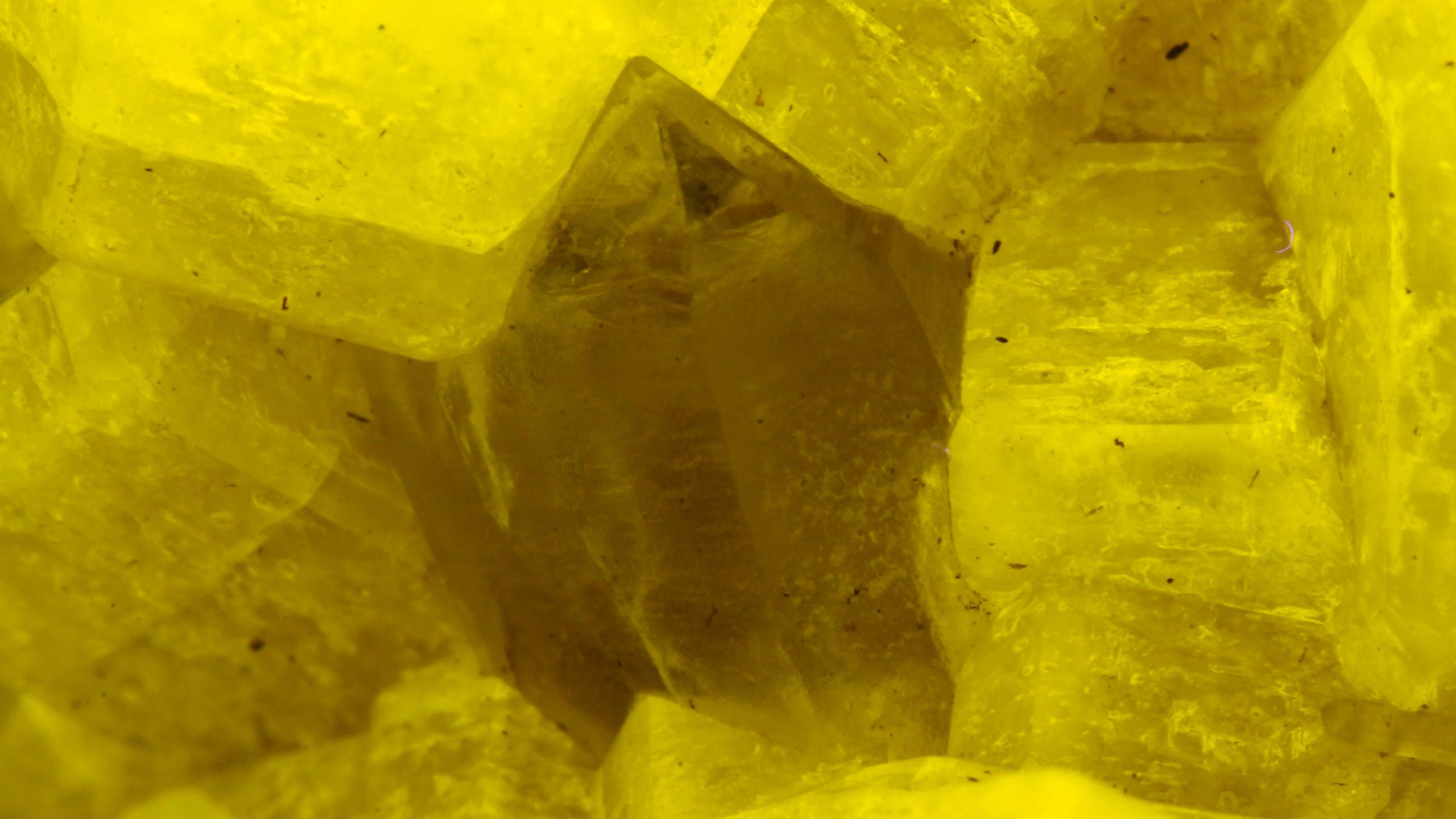 Close-up of Quartz Crystal - SW UV