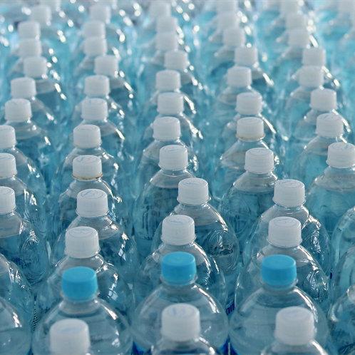 2 pacotes de Água Mineral