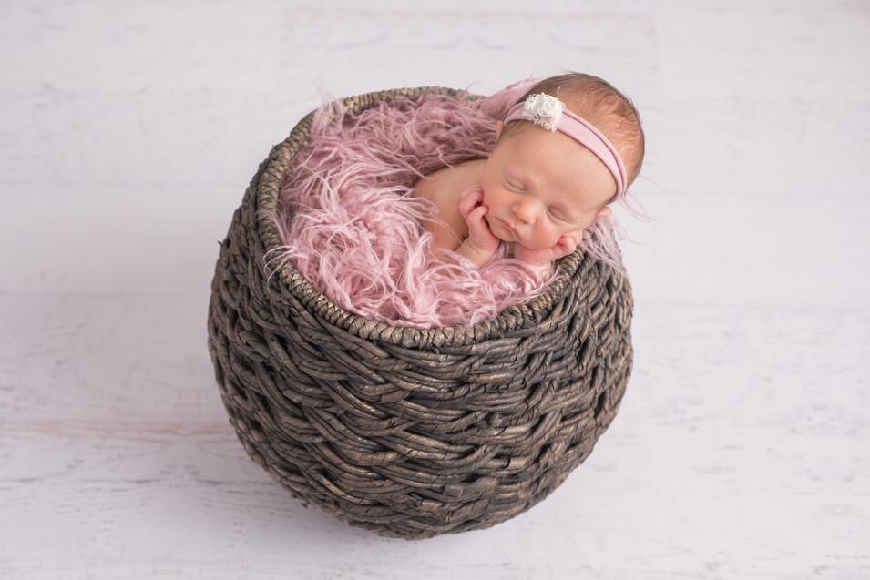 Layla Newborn 342.JPG