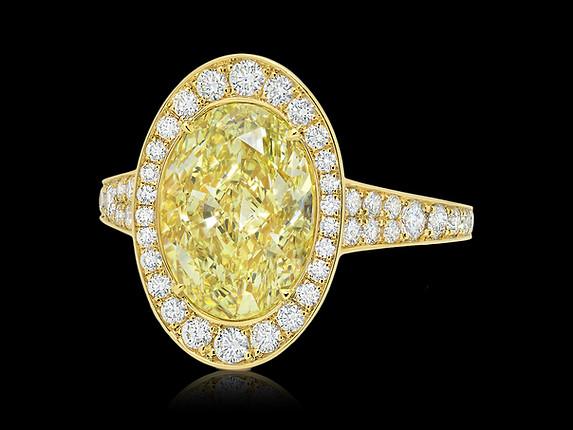 Oval Fancy Light Yellow Diamond Ring