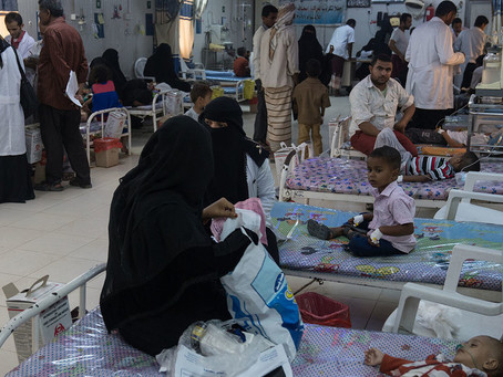 Attack on Yemen's largest hospital raises risk of new cholera epidemic