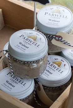 Walnut Face Scrub