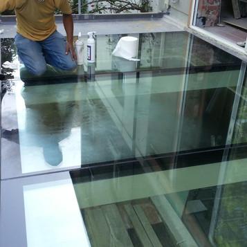 Glass Box 11