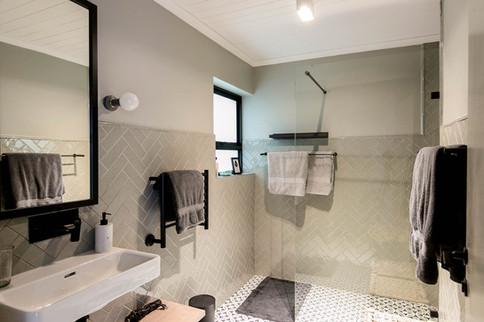 Xandra's private bathroom