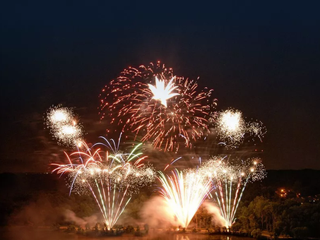 4th of July Fireworks at Lake Kittamaqundi to include live music, food trucks, and premium seating
