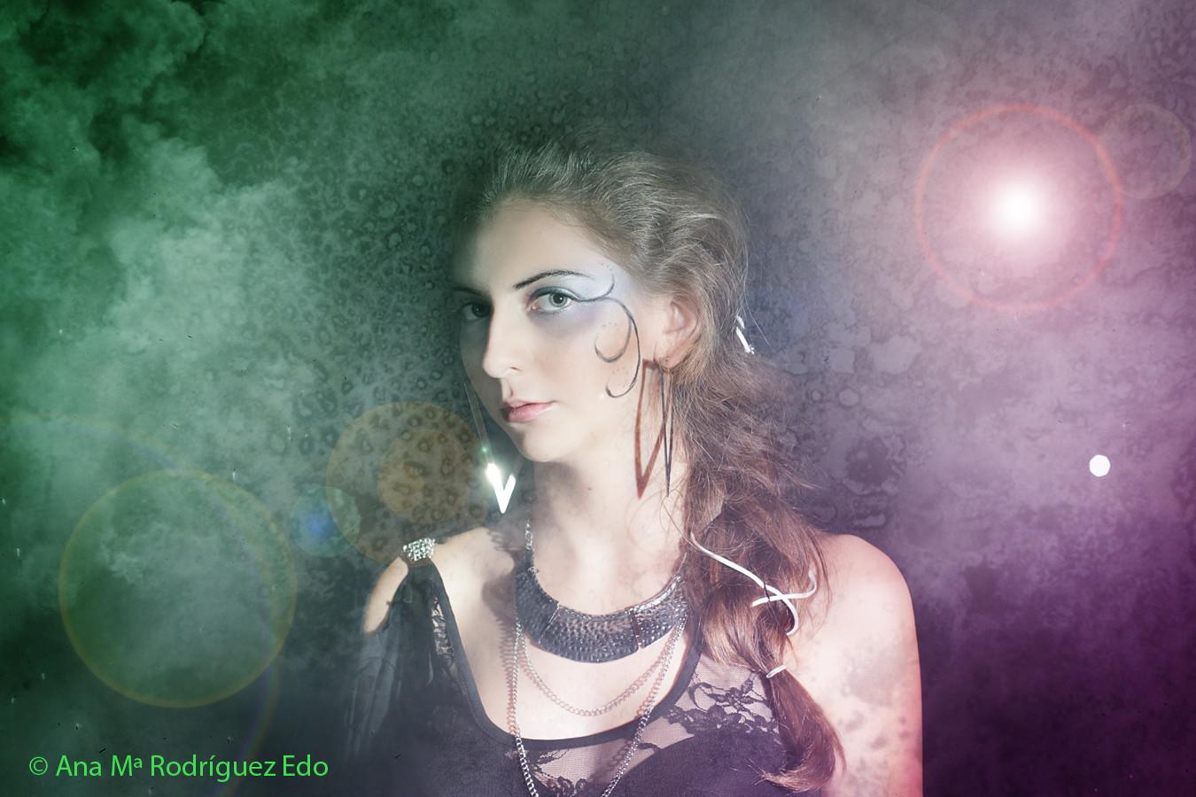 Modelo: Carla Ruíz Maquillaje: carmen Guerrero Peluquería: Isabel Moreno Estilismo: Lorena Argüello