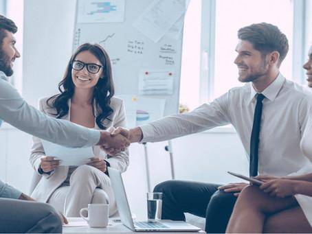 A maneira como atende seu parceiro de negócios é diferente de como atende seu cliente? Melhor repens