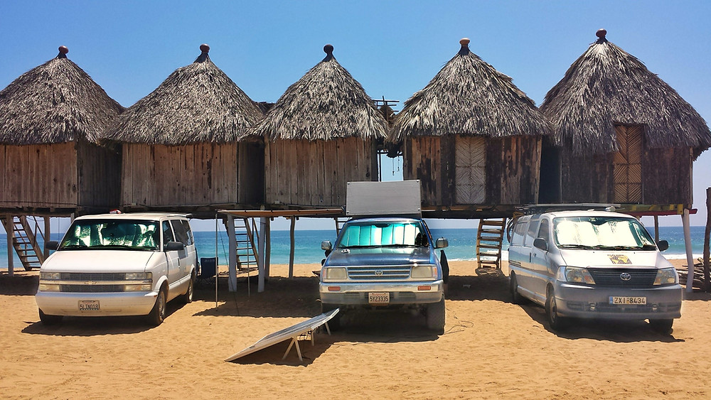 3 different overlanding rigs, Zipolite, Mexico