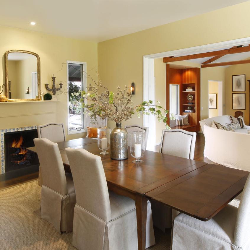 Dininingroom to Livingroom