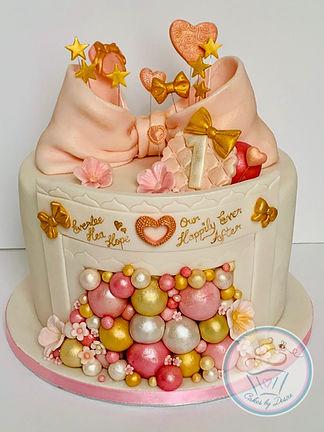 Cakes, bespoke cakes, unique cakes, birthday cakes, cake, cakes, wallingford, wallingford cakes, wallingford bakery, cotswolds, cotswold, cotswold bakery, cotswold cakes, cotswolds cakes, wedding cakes, event cakes, corporate cakes, firstbirthdaycakes