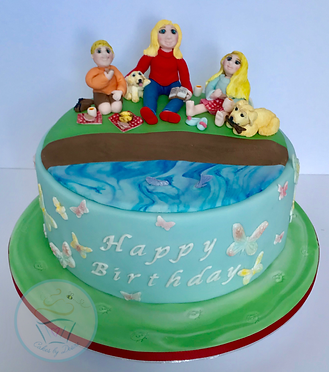 Cakes, bespoke cakes, unique cakes, birthday cakes, cake, cakes, wallingford, wallingford cakes, wallingford bakery, cotswolds, cotswold, cotswold bakery, cotswold cakes, cotswolds cakes, wedding cakes, event cakes, corporate cakes, Picnic cake, cake topper, picnic cake topper,