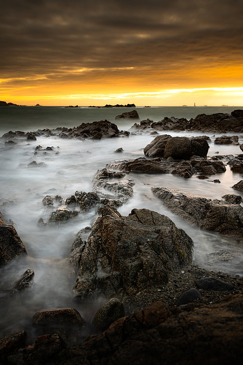 L'eree - Stormy Rocks - Portrait (2021)