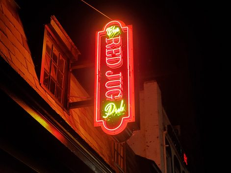 UPD Shuts Down Red Jug For Not Serving Alcohol to Minors