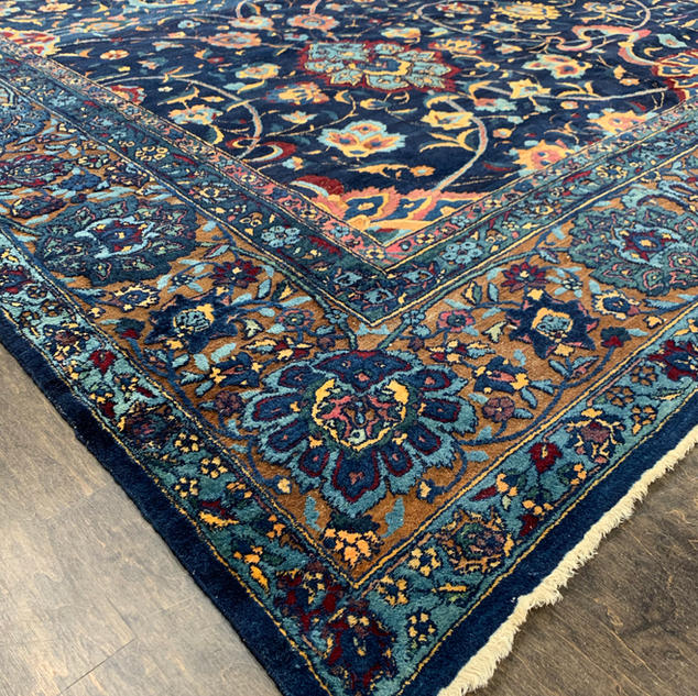 ANTIQUE | HANDKNOTTED | VINTAGE | PERSIAN