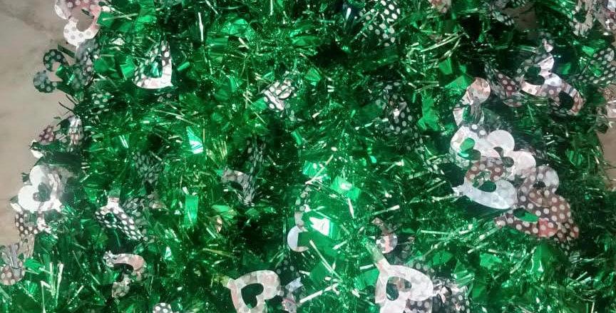 10 Green Xmas Streamer