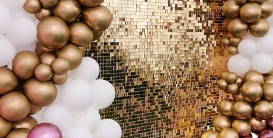 Gold photowall