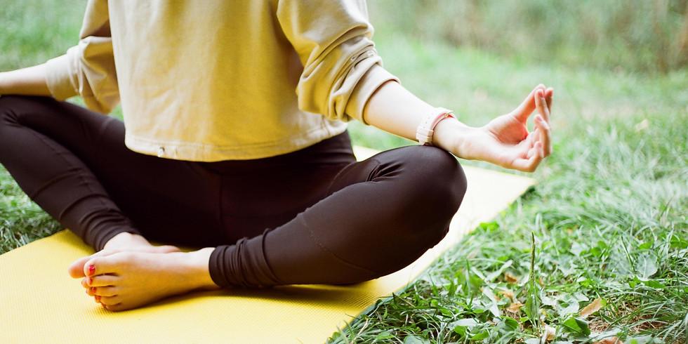 Yoga (nur bei trockener Witterung)