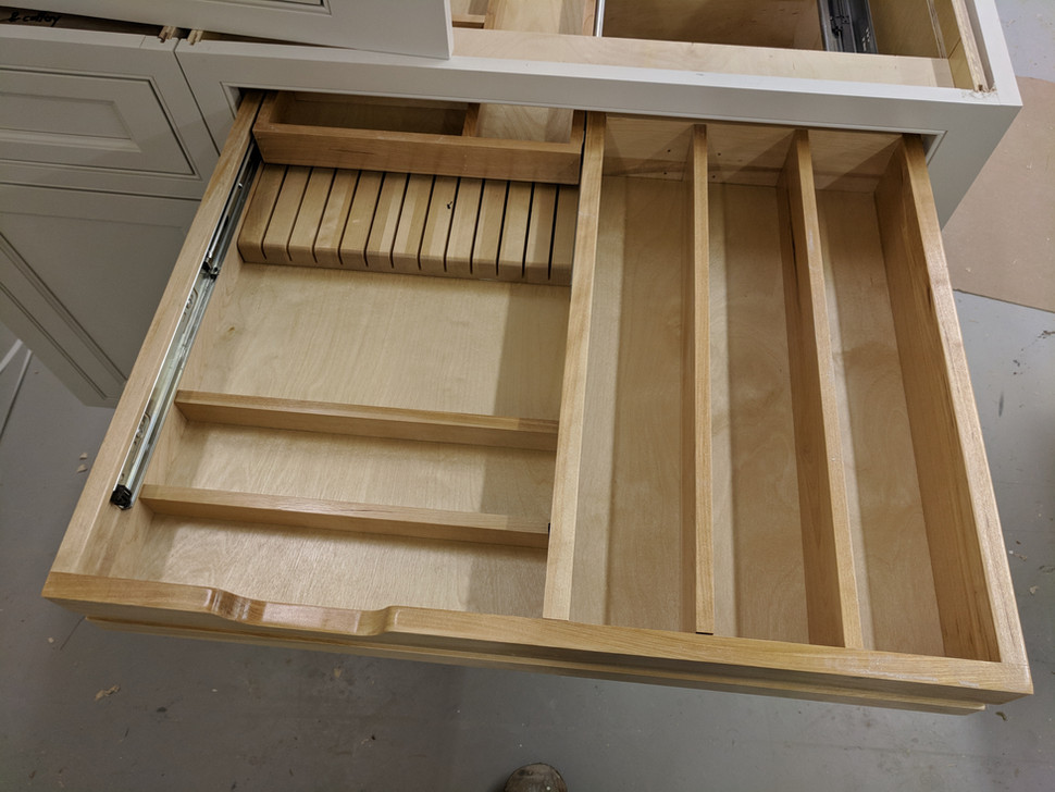 Knife block in drawer