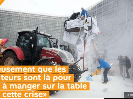 Heureusement que les agriculteurs sont là pour mettre à manger sur la table durant cette crise.