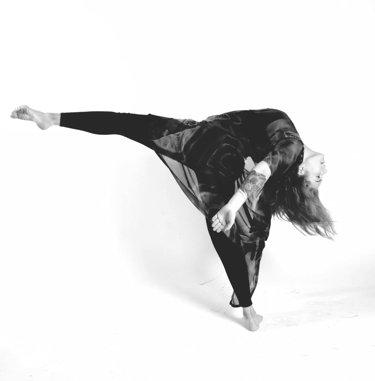 Viola dance 2_edited