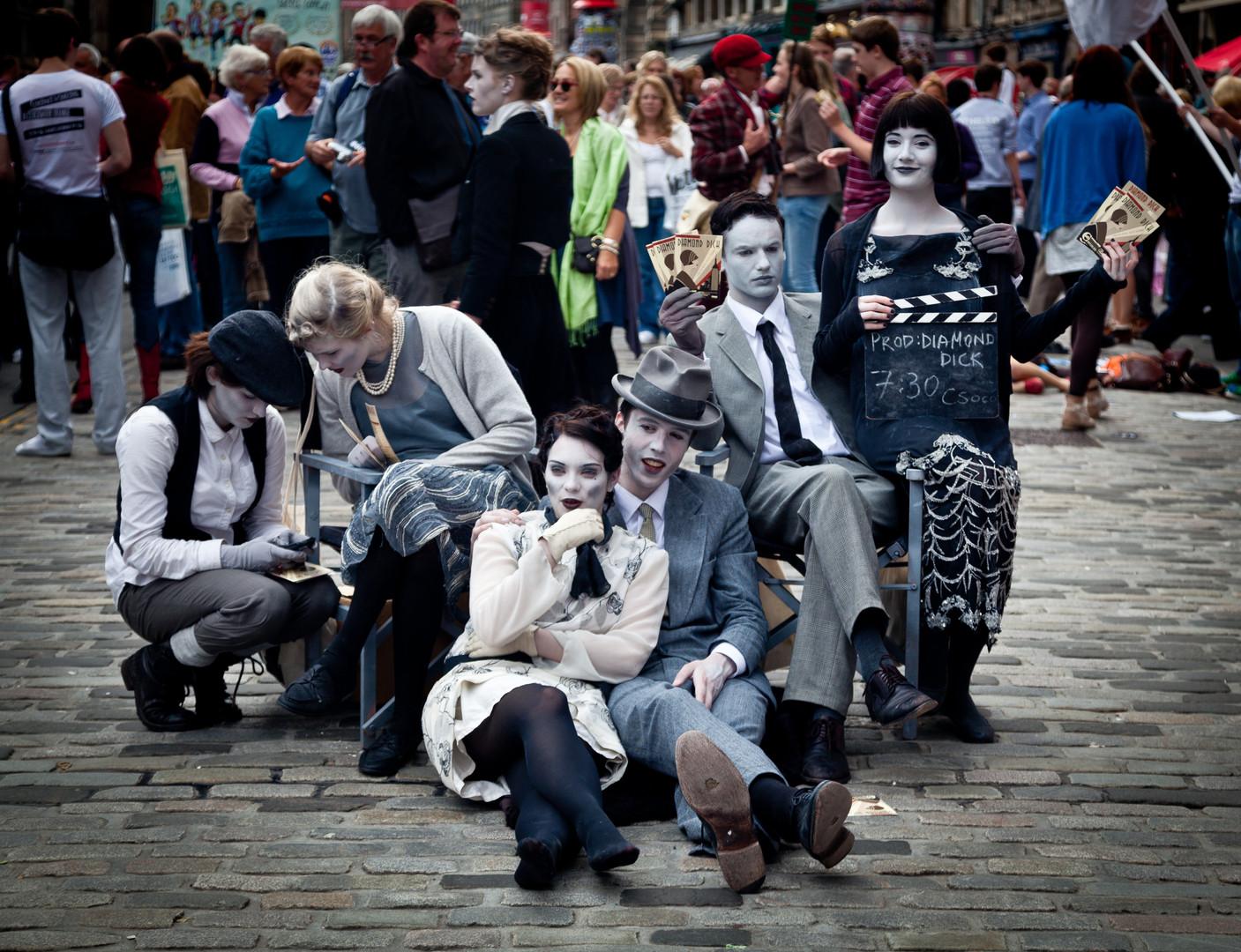 street-performers-870127.jpg