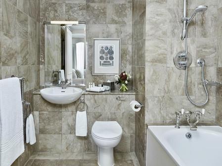 Luxury bathroom in 47 Park Street apartment