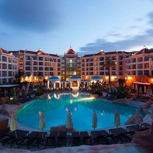 Cascatas Resort at night.jpg