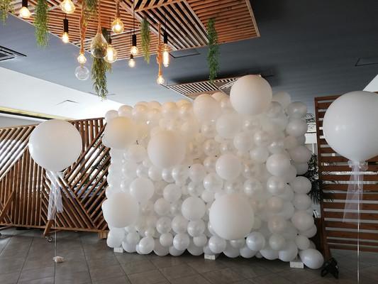 balloon wall2.jpg
