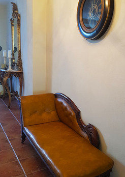 chaise longue.jpg
