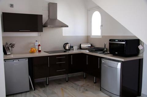 Modern kitchen in Forest Hills apartment