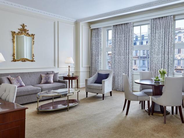 Lounge in 47 Park Street Mayfair