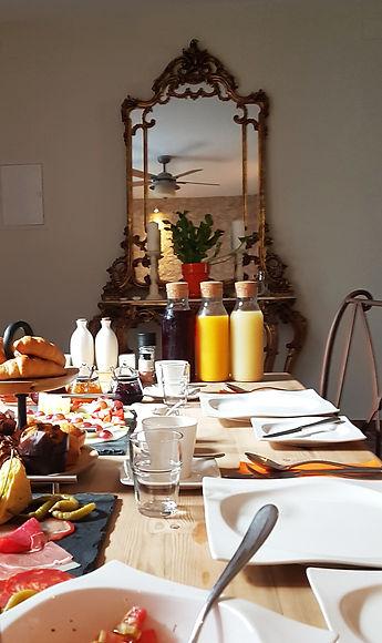 Breakfast 9a.jpg