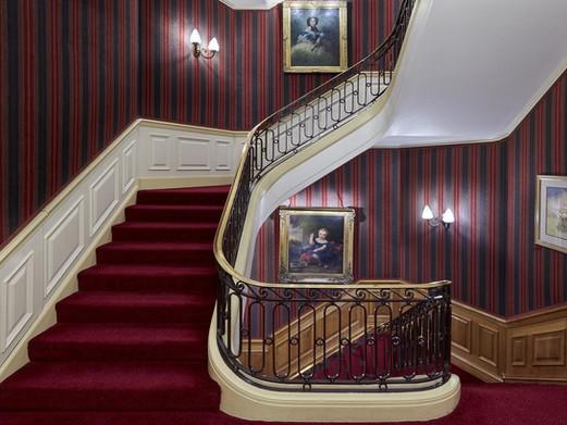 47 Park Street London stairway