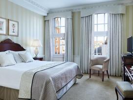 47 Park Street classic bedroom