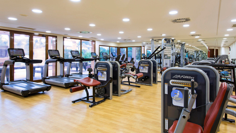 Well equipped fitness center