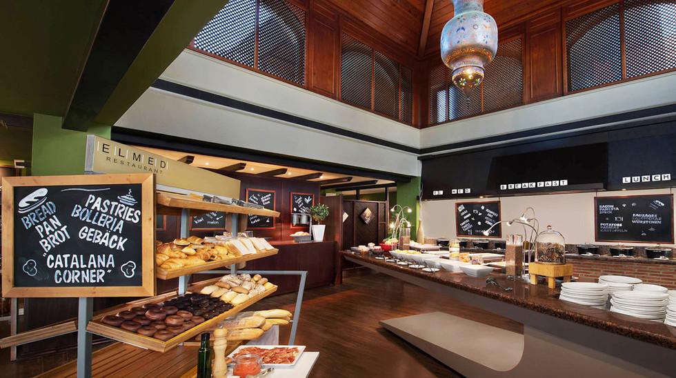 Marriotts Marbella restaurant 1.jpg