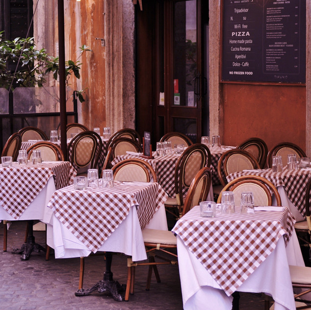 cafe-sidewalk-restaurant-paris-europe-me