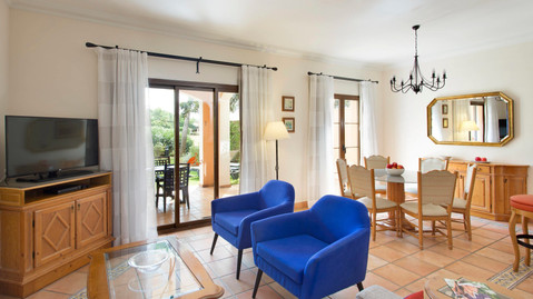 Son Antem lounge with patio doors