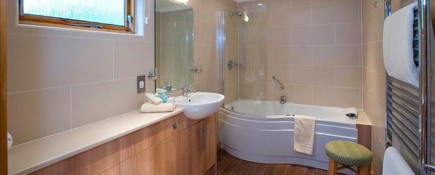 Craigendarroch Lodges luxury bathroom
