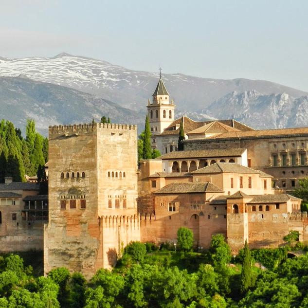 alhambra-967024.jpg