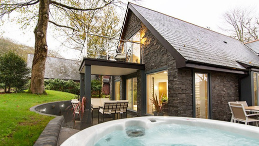 Clowance Estate lodge with hot tub