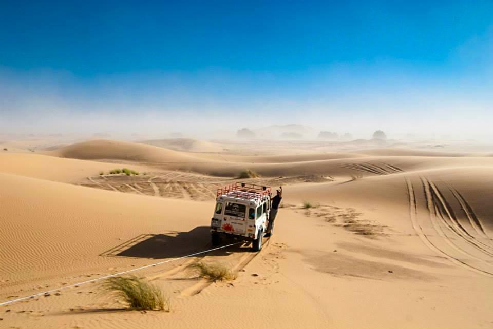 Marco safari land rover