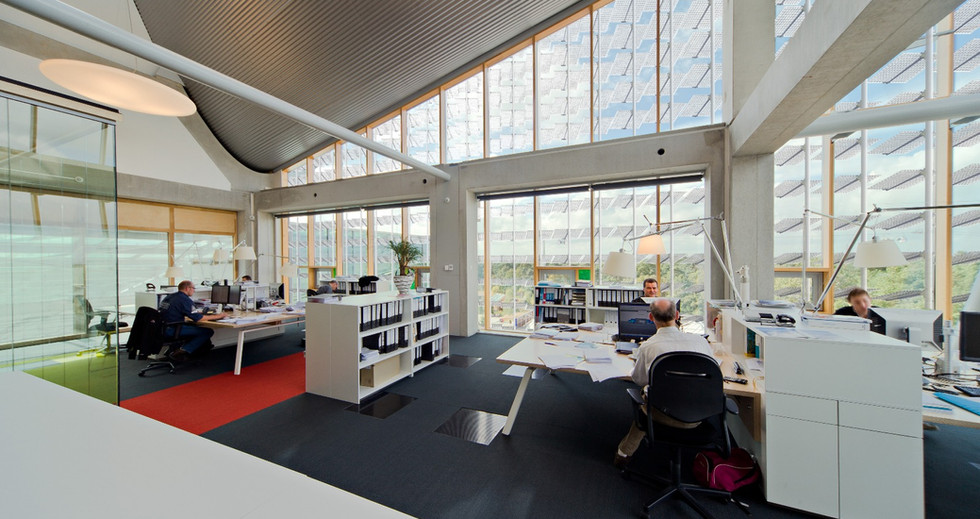 The Lumiduct creates a comfortable indoor building climate through selective shading