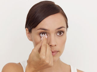 contact-lens-removal.jpg