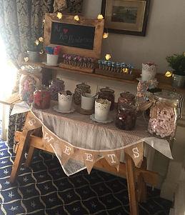 sweet table 1.jpg