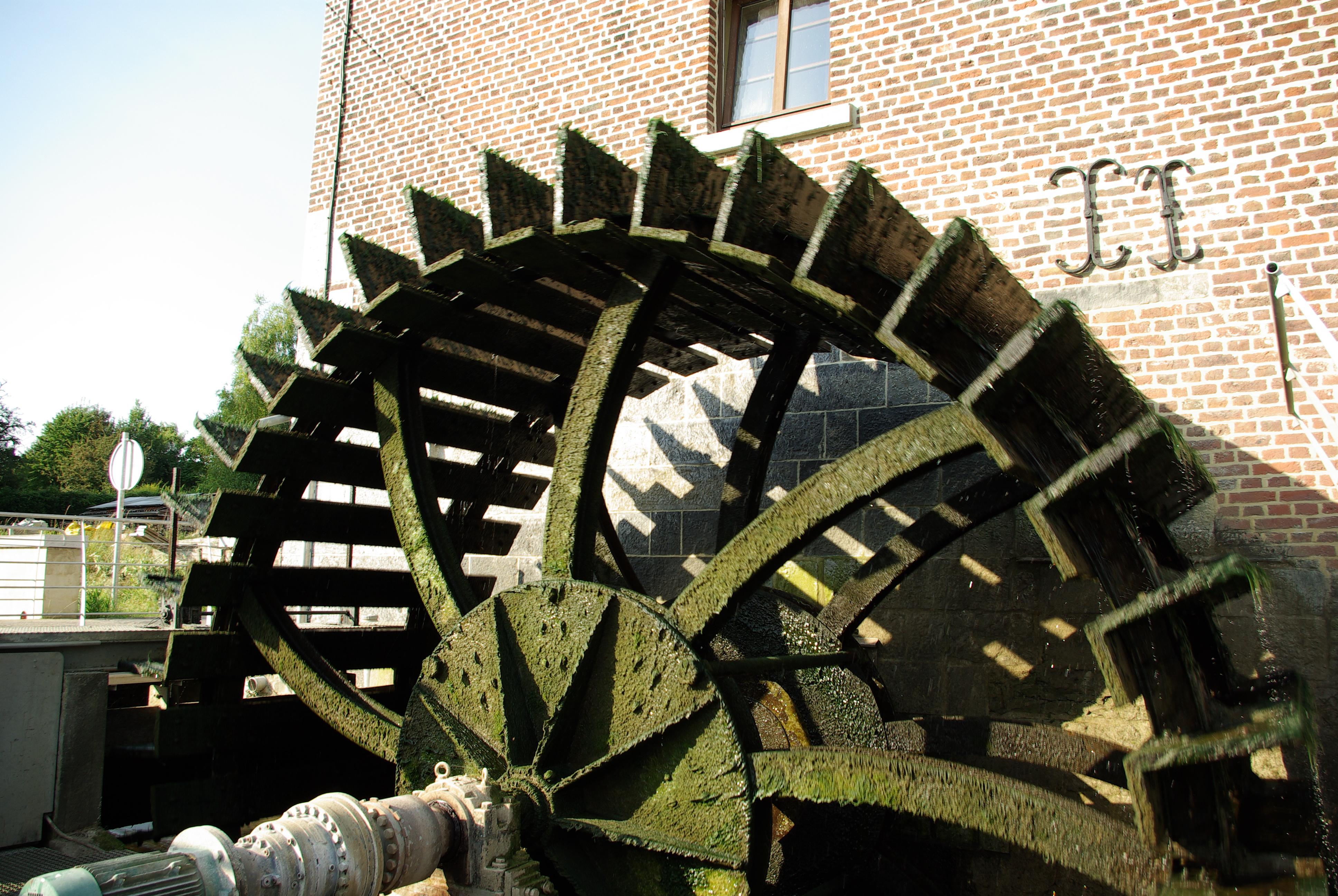 Le roue du moulin du Velupont