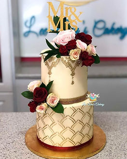 Ivory and gold! Buttercream wedding cake