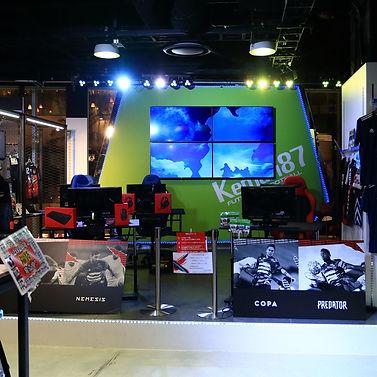 e-sports デジタル 店舗デザイン