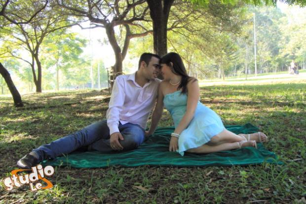 Book para casal no parque