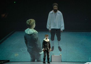 Aran commands the stage as doomed Hamnet
